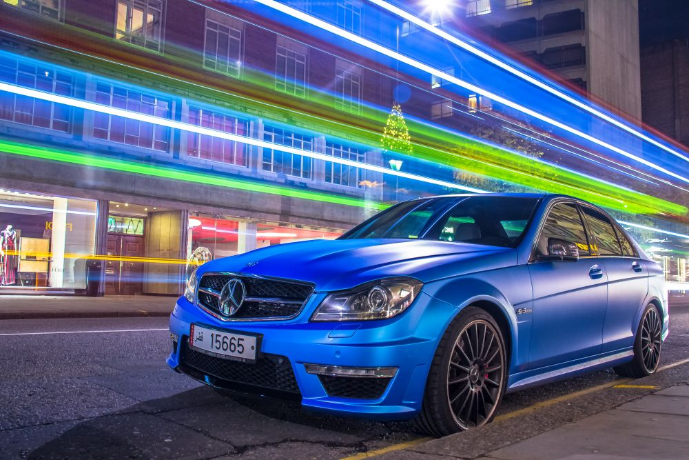 Mercedes-Benz W204 C63 AMG metade do preco